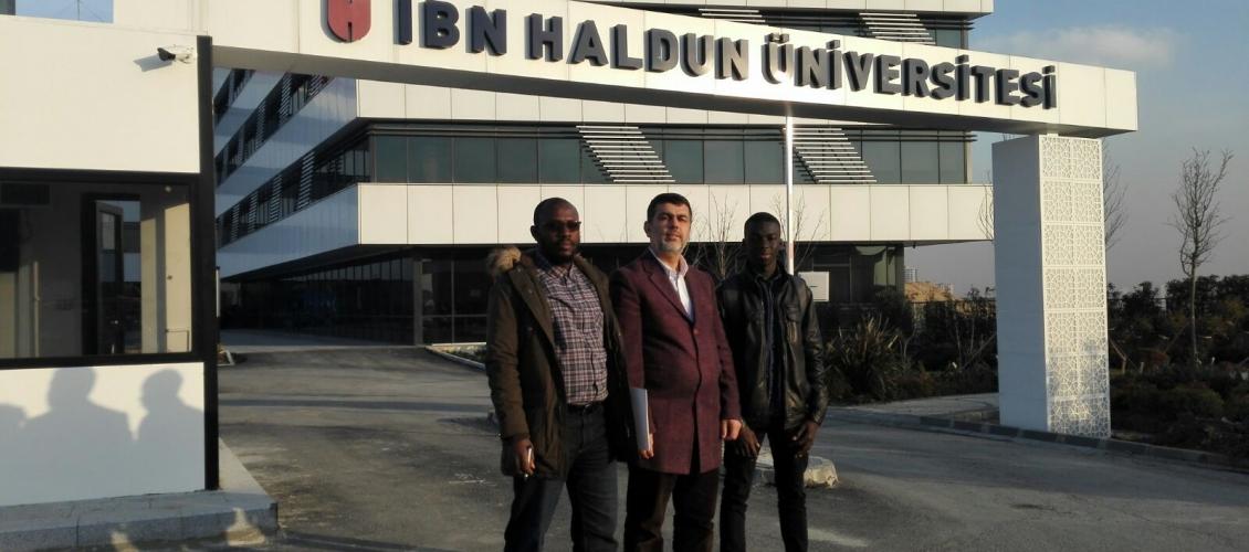 زيارة مسؤول العلاقات الأفريقية بالمجلس الأفروآسيوي ومسؤول العلاقات العامة في جامعة الفاروق الافوارية لجامعة ابن خلدون في إسطنبول .