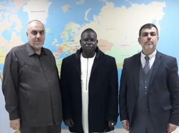 M. Mounir Said reçoit le ministre adjoint du Parlement malien et vice-président de l'Association malienne pour la jeunesse musulmane, M. Mahmado Lamine Djekinini:
