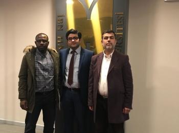 """Visite du directeur des relations africaines du Conseil afro-asiatique et le résponsable des relations publiques de l'Université """"Al farouq"""" à l'Université Ibn Khaldun d'Istanbul."""