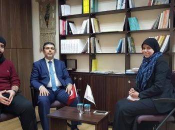 Maryam Mounadi, chercheuse algérienne en sciences de la communication et de l'information, en visite au Conseil de coopération Afro-Asiatique.