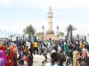 """رئيس مجلس التعاون الأفروآسيوي يشارك في """"موسم مغال"""" السنوي الذي تقيمه الطريقة المريدية في مدينة توبا بالسنغال"""